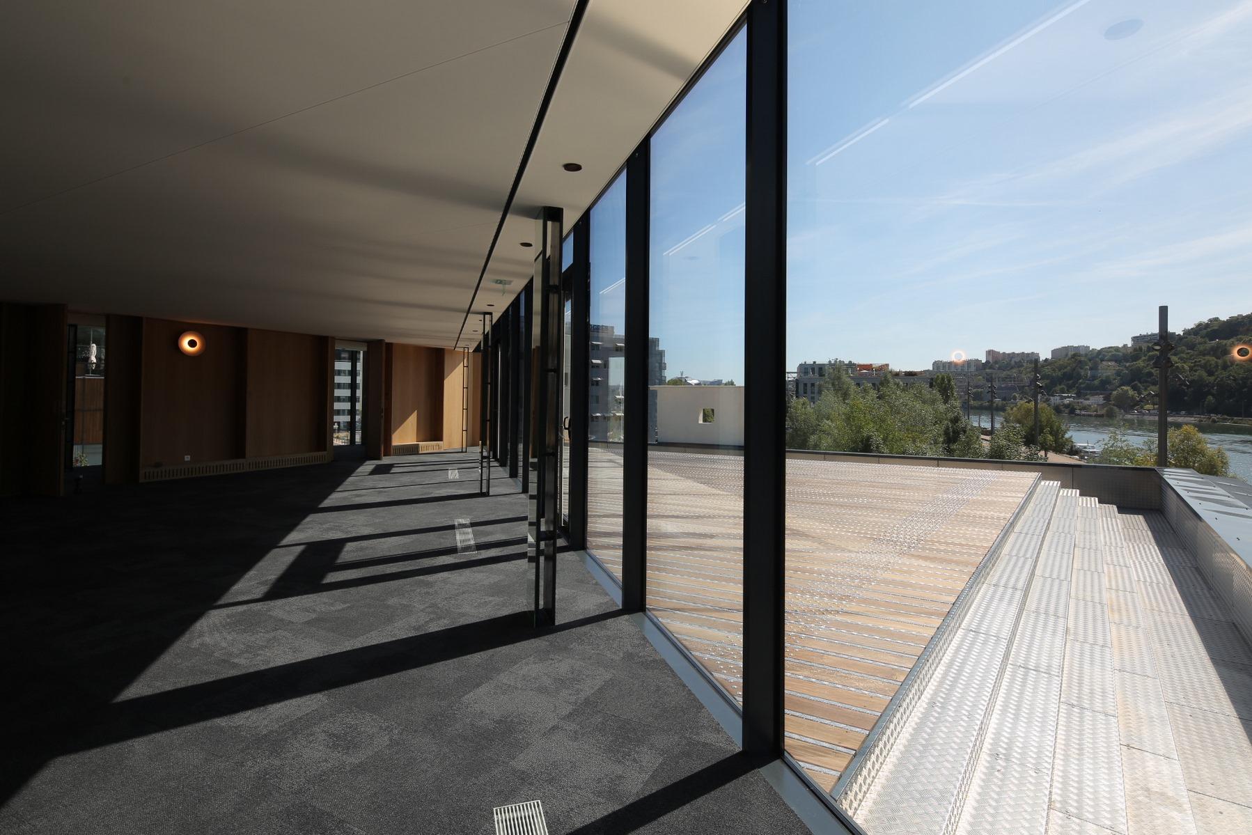Port Rambaud - Capitainerie - Lyon Confluence : terrasse - Z Architecture