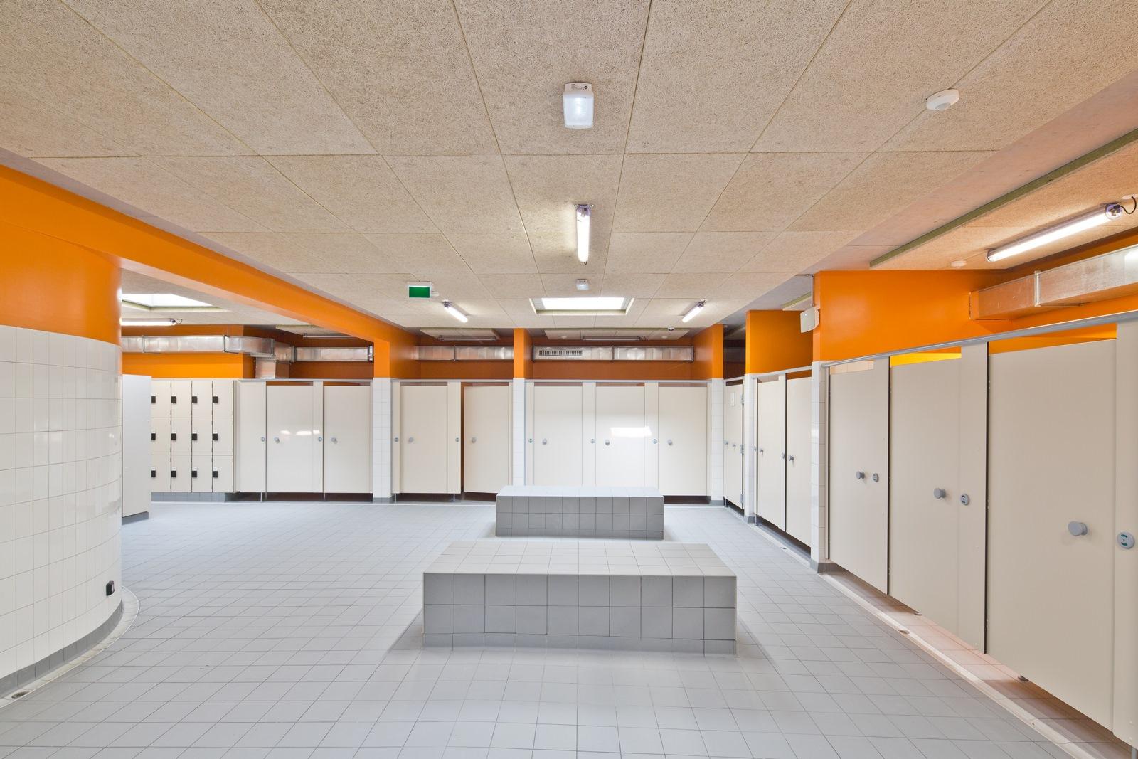 Piscine Pertuis Durance Lubéron - Z Architecture - vestiaires