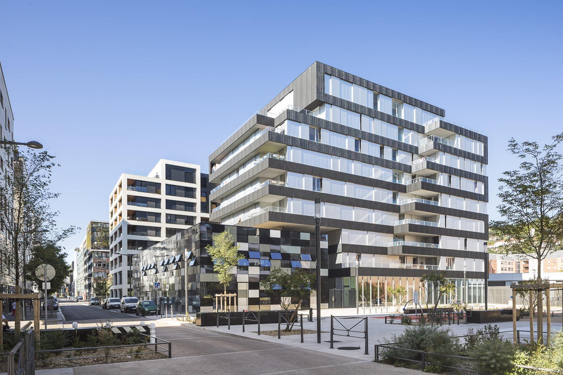 Ilot G / Les Loges de Saone - Lyon confluence : façade place - Z Architecture