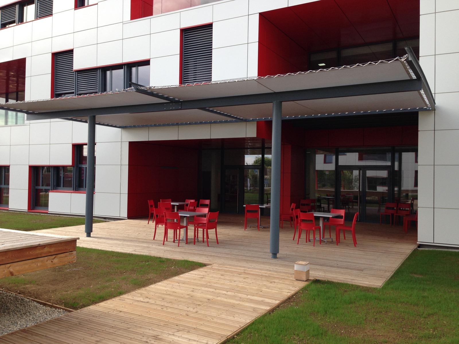 Siège Manitowoc - Dardilly : espaces extérieurs - Z Architecture