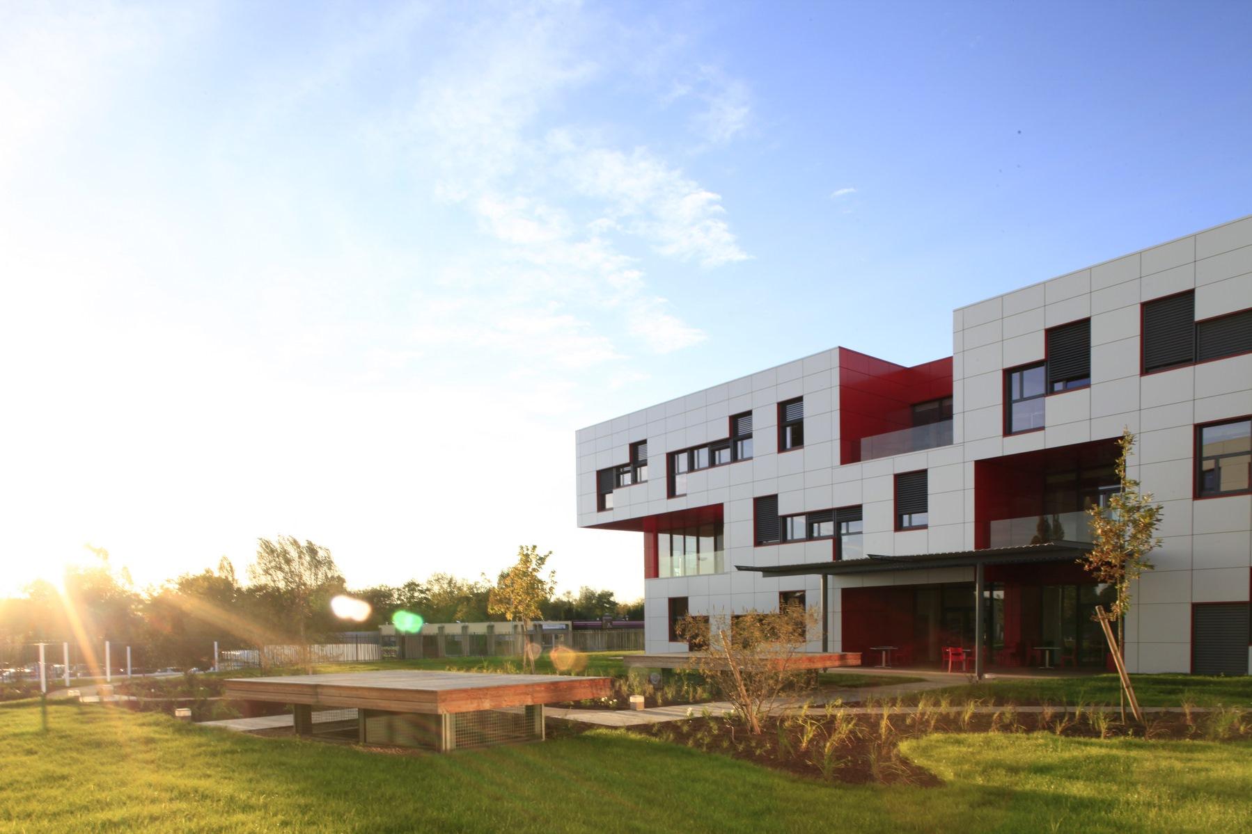 Siège Manitowoc - Dardilly : détail façade - Z Architecture