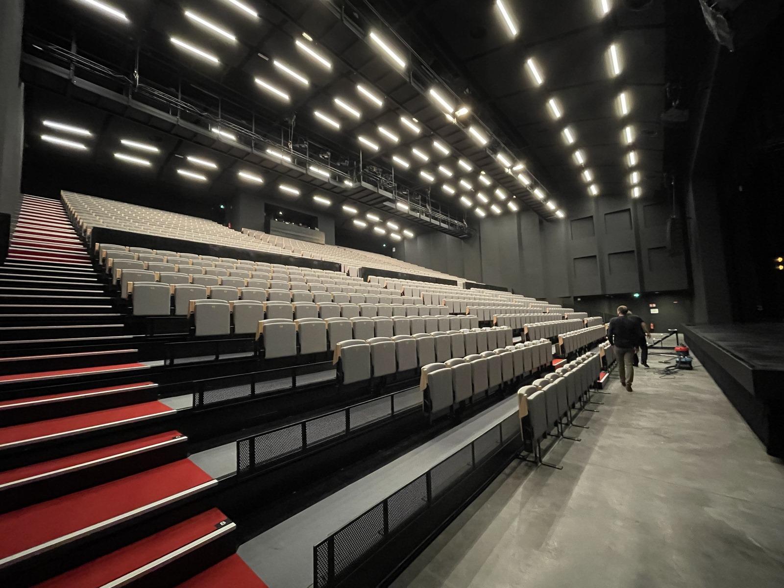Centre Culturel Château Rouge Annemasse - Z Architecture - inauguration